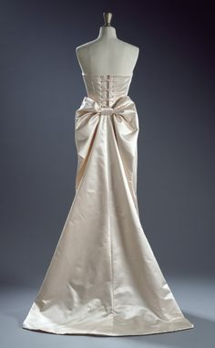 To celebrate the launch of the V&A Museum's hugely anticipatedWedding Dresses 1175-2014, which opens this weekend, The Wedding Journal spoke to the exhibition's curator Edwina Ehrman. We find out what goes on behind the scenes of creating such an exquisite exhibition and she tells us what she thinks is key to a beautiful wedding dress...  Read more »
