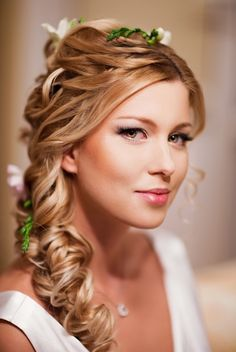 Hair style..stunning..perfect for a wedding