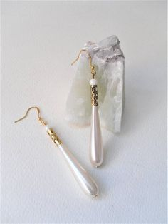 Champagne & Pearls/Long Teardrop Pearls/Gold