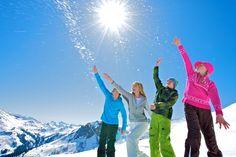 Skiurlaub in Saalbach Skier, Destinations, Der Bus, Apres Ski, Mount Everest, Mountains, Nature, Travel, Studio