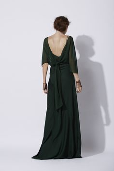 Land dress in green - Cortana Green Party Dress, Patchwork Dress, Dress Cuts, Fashion Images, Crepe Dress, Party Fashion, Elegant Dresses, Evening Dresses, Ready To Wear