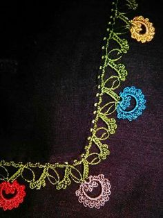 This post was discovered by Suna Bağçiçek. Discover (and save!) your own Posts on Unirazi. Crochet Borders, Filet Crochet, Knit Crochet, Crochet Patterns, Tatting, Knit Shoes, Needle Lace, Knitted Shawls, Knitting Socks