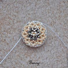 Как оплести бисером обратную сторону кристалла Сваровски риволи 14 мм - Ярмарка Мастеров - ручная работа, handmade