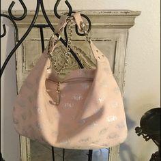 இ❥༻❦*  H̥̊o̥̊s̥̊t̥̊ P̥̊i̥̊c̥̊k̥̊! ི♥ྀ❧☼❥இಌ༺ 💗💕🎀ᗩᗷᔕOᒪᑌTEᒪY gorgeous soft leather (SOFTEST LEATHER) peach blush Juicy Couture bag, with silver house of Juicy Couture embossed logo!  Beautiful silver tone metal hardware!  Comes with an attached make-up bag and original dust protective bag!💕💗🎀 Juicy Couture Bags