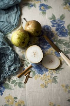 followthewestwind:  (via pears and print | Pictures of fruits and veggies | Pinterest)