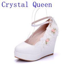 60bcda2f 23.01 30% de DESCUENTO|Aliexpress.com: Comprar Crystal Queen mujer blanco  boda zapatos de tacón alto nupcial zapatos para mujer bombas diseño de la  flor del ...
