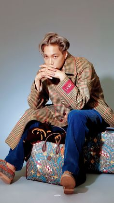 Exo Kai, Chanyeol, Exo Korea, Exo 2014, Kim Jong In, Bruce Lee, Looking Stunning, Asian Men, Louis Vuitton Speedy Bag