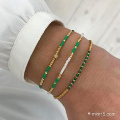 Little Jade Beads – Emerald Green Homemade Bracelets, Homemade Jewelry, Handmade Beaded Jewelry, Diy Beaded Bracelets, Beaded Jewelry Designs, Beaded Bracelet Patterns, Diy Bracelet, Seed Bead Bracelets, Paracord Bracelets