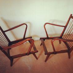 Twin seat