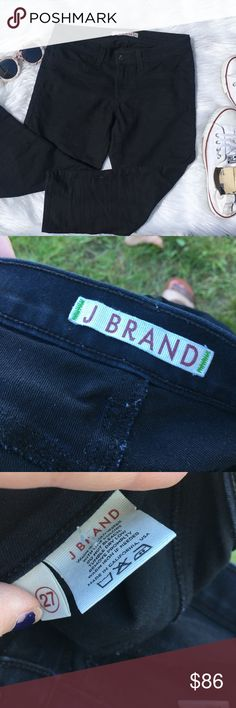 JBRAND black cropped jeggings ◾️New condition  ◾️ships in 24 hours  ◾️no trades ◾️make me an offer 🌸 ◾️cropped jeggings very stretchy material J Brand Jeans Ankle & Cropped
