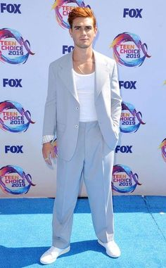 Teen Choice Awards 2019 Red Carpet Fashion: See Every Look as the Stars Arrive Michelle Richard, All Fashion, Fashion Looks, Sky Brown, Candace Cameron Bure, Riverdale Cast, Teen Choice Awards, Prabal Gurung, Red Carpet Fashion