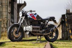 Cafemoto 002 BMW K100 Caferacer Based on: 1994 BMW K 100 Conversion: 2014 Features: lifted, shortened rear frame, custom made seat, ...