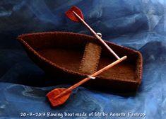 Rowing boat felt - Roeiboot gemaakt van vilt op basis van dit ( http://pinterest.com/pin/462252349223232700/ ) patroon. Gemaakt door Annette Kentrop.