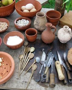 The Romans mostly ate with their fingers. When they were served dished that required utensils, they used spoons and knives. Although forks were common utensils in the villa, they were usually reserved for cooking use only.