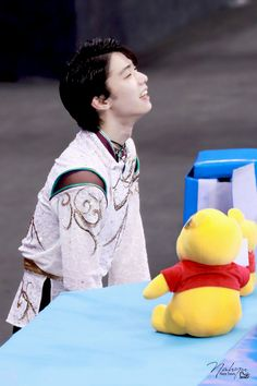 to the owner Ice Skating, Figure Skating, Ice Warriors, Favorite Person, My Favorite Things, Yuzuru Hanyu, Japanese Figure Skater, Olympic Champion, Russian Beauty