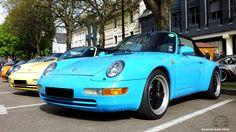 Porsche bleu