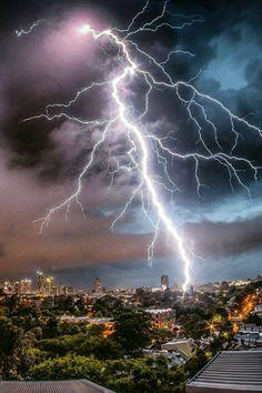 Emmence lightning strike in Sydney, Austrália