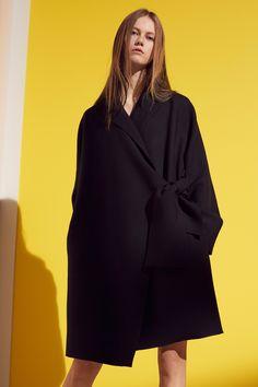 Victoria, Victoria Beckham Pre-Fall 2016 Fashion Show