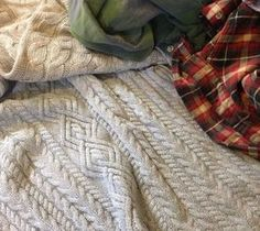 DIY Projects For Home Decorating: Cozy Table Runner With Old Flannel Shirts and Swea...
