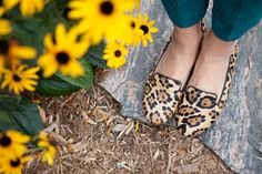 Style Sessions: 3 Ways To Wear Leopard Flats For Fall | theglitterguide.com