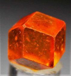 Spessartine from Jos, Nigeria Minerals And Gemstones, Rocks And Minerals, Granada, Mineralogy, Beautiful Rocks, Rocks And Gems, Stones And Crystals, Garnet, Wicca