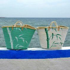Los dos capazos con bambú, claramente diferentes.  #capazo www.artaliquam.com