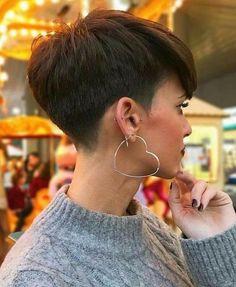 Perfect 45 Stylish Pixie Haircut For Thin Hair Ideas Stylish Pixie Haircut; Super Muy Corto Pixie Cortes de pelo Y Colores de Pelo para Long Pixie Hairstyles, Cute Short Haircuts, Thin Hair Haircuts, Straight Hairstyles, Haircut Short, Hairstyles Haircuts, Pixie Haircut Styles, 2018 Haircuts, Latest Haircuts