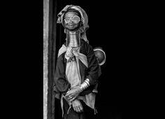 #occhiali #mondo #moda #fashion  #world #sunglasses #glasses #ethnic #color #love #peace #creative #beauty #unique #lenses #vintage #biciclo #telaio #bicycle #tribù #accessorize #respect #strong #man #woman #alternative #metallic #curves #design #noracism #Torino #Sicilia #project #style #young #old #black #white