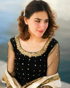 Pakistani Fashion Party Wear, Pakistani Wedding Outfits, Pakistani Dresses Casual, Pakistani Dress Design, Neck Designs For Suits, Sleeves Designs For Dresses, Dress Neck Designs, Blouse Designs, Mirror Work Dress