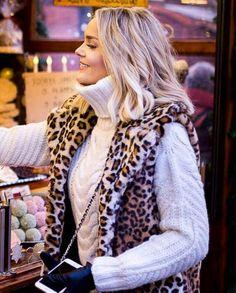 Knit Fashion, Sweater Fashion, Sweater Outfits, Cute Outfits, Womens Fashion, Sweater Dresses, Thick Sweaters, Winter Sweaters, Wool Sweaters