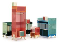 Una de las propuestas mas interesantes en la reciente feria de diseño de Estocolmo fue la colección Marginal Notes por Note Design Studio. Este estudio sueco presentó toda una línea de muebles inspirada en los días de campo y viajes de fin de semana.