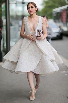 Araya A. Hargate - Giambattista Valli Fall 2016 Couture Show - July 4, 2016 #StreetStyle #pfw