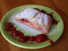 Jablkovo - jahodová štrúdľa