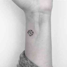 30 Best Constellation Tattoos & Crab Tattoos For Cancer Zodiac Signs | YourTango