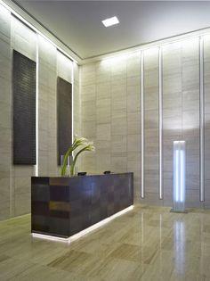 LF Italy la bottega d'incontro per realizzare le tue idee  LF Italy the place to meet and put your ideas into practice.  VQ Ventiquattro Radisson   Design by Matteo Nunziati  A #Dubai #hall #bronze #wood # leather #architecture #luxury #interiordesign http://ift.tt/1MA9ZCc