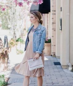 How To Look Amazing This Spring with These 15 Church Outfits. See more about Church outfits, Modest outfits and Modest Clothing for Women. Fashion Now, Moda Fashion, Fashion Outfits, Womens Fashion, Modest Outfits, Casual Outfits, Cute Outfits, Stylish Dresses, Dresses For Work