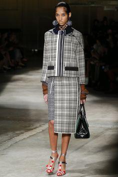 Prada Spring 2016 Ready-to-Wear Collection Photos - Vogue http://www.vogue.com/fashion-shows/spring-2016-ready-to-wear/prada/slideshow/collection#5