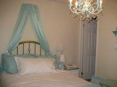 Tiffany+Blue+Bedroom+Decorating+Ideas | Tiffany Blue - Bedroom Designs - Decorating Ideas - HGTV Rate My Space