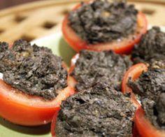 Tomater med ost og oliven-nøddetapenade opskrift - Madkogebogen