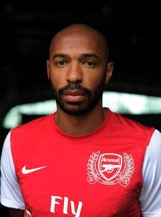 Arsenal great Henry announces retirement | News Archive | News | Arsenal.com