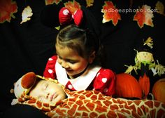 Contact information redbee.513@gmail.com Check out our website redbeesphoto.com #siblings #family #baby #kid #kids #babies #love #redbeesphoto #happyhalloween #halloweenphotos