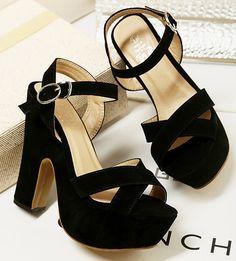 #zapatos.com