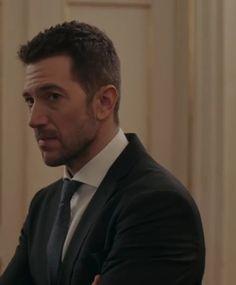 Luke Roberts, Sad Eyes, Handsome, Female Actresses