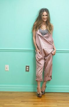 sjp ~ I would not ever wear this, but Sarah Jessica Parker can do no wrong.