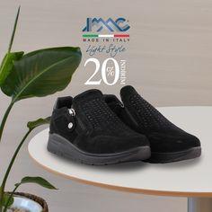 IMAC Süet kadın ayakkabı yüksek kaliteli malzemesi ve konforlu tabanı ile günü rahat geçirmenizi sağlayacak. Made in Italy. Ücretsiz kargo. Fashion Lighting, Front Row, Louis Vuitton, Sneakers, How To Make, Shoes, Style, Trainers, Zapatos