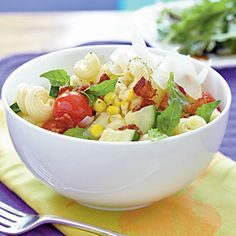 Cavatappi with Bacon and Summer Vegetables A light, flavorful pasta toss, accented with crumbled bacon, is a quick and easy dinner solution for any night of the week. Healthy Pasta Salad, Summer Pasta Salad, Healthy Pastas, Healthy Recipes, Spiral Vegetable Recipes, Vegetable Korma Recipe, Vegetable Samosa, Best Pasta Recipes, Pasta Salad Recipes