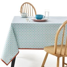 Azilia Patterned Tablecloth, Blue La Redoute Interieurs Add a dash of colour to every mealtime with this vibrant and boldly patterned Azilia tablecloth.More Detailswaterprood tablecloth made of coated. Circular Tablecloths, Mantel Resinado, Decoration Chic, Christmas Table Cloth, Graphic Patterns, Table Covers, Really Cool Stuff, Plus Jamais, Colors