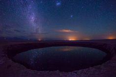 Fotógrafo registra a beleza da noite no deserto do Atacama.
