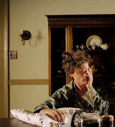 """look at that bed head."" ""mhm, you messed me up pretty good."" ""yeah I did, here's your coffee. that could be arranged. Matthew Gray Gubler, Dr Reid, Dr Spencer Reid, Spencer Reid Criminal Minds, Criminal Minds Cast, Beautiful Boys, Pretty Boys, Crimal Minds, Matthew 3"