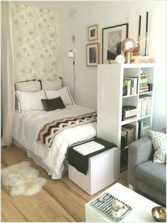 65 First Apartment Decorating Ideas on A Budget 2019 Awesome 65 First Apartment Decorating Ideas on A Budget redecorationroom. The post 65 First Apartment Decorating Ideas on A Budget 2019 appeared first on Apartment Diy. Small Bedroom Designs, Small Room Bedroom, Home Decor Bedroom, Bedroom Ideas, Master Bedroom, Bed Room, Warm Bedroom, Bedrooms Ideas For Small Rooms, Teen Rooms